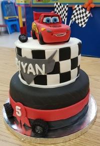 McQueen 5th B-Day Cake (1)