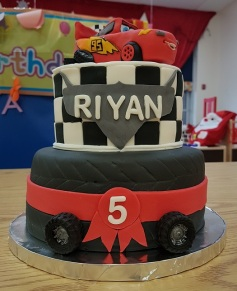McQueen 5th B-Day Cake (2)