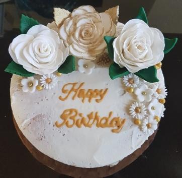 Rustic Birthday Cake (6)