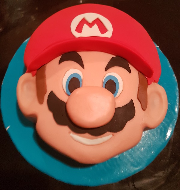 Super Mario Face Cake (1)