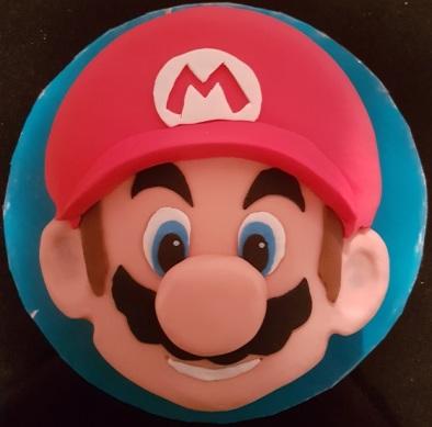 Super Mario Face Cake (2)