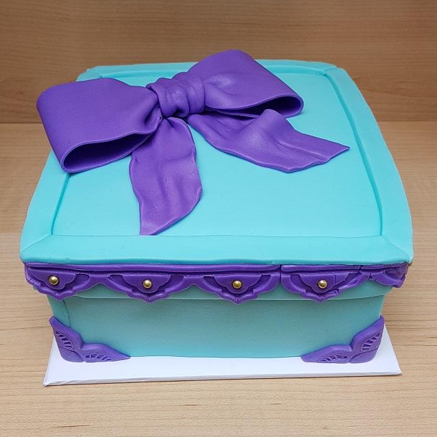 Tiffany Blue & Purple Gift Box Cake (1)
