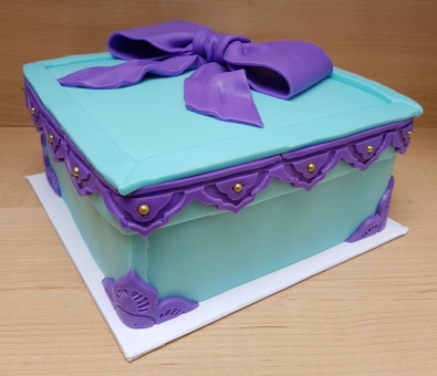 Tiffany Blue & Purple Gift Box Cake (3)