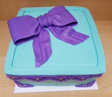 Tiffany Blue & Purple Gift Box Cake (4)