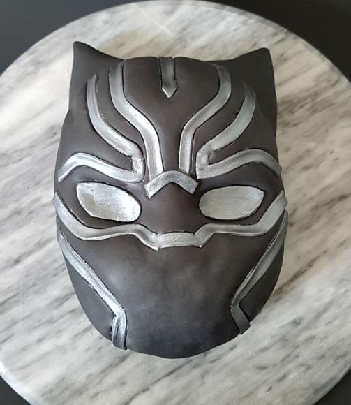 Black Panther Mask Cake - Site (1)