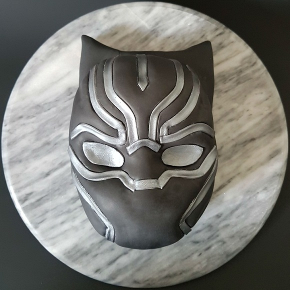 Black Panther Mask Cake - Site (2)