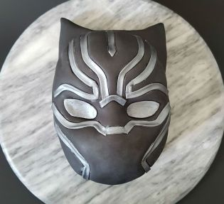Black Panther Mask Cake - Site (3)