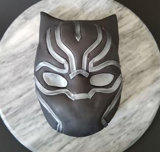 Black Panther Mask Cake - Site (4)