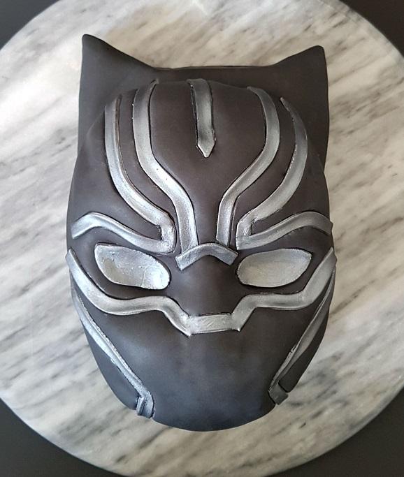 Black Panther Mask Cake - Site (6)