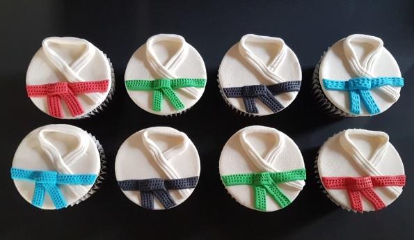 Vegan Marzipan Karate Cupcakes (1)