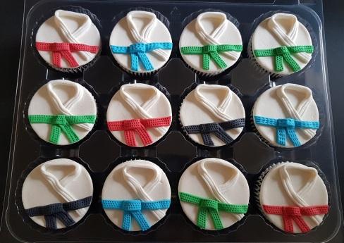 Vegan Marzipan Karate Cupcakes (3)