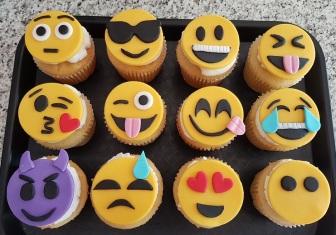 Emoji Cupcakes (1)