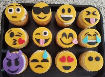 Emoji Cupcakes (2)