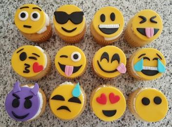 Emoji Cupcakes (4)