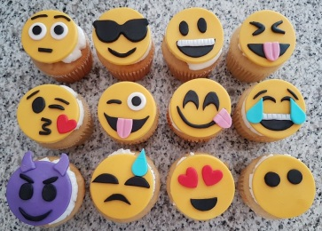 Emoji Cupcakes (6)