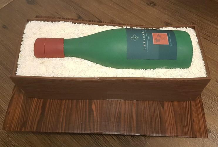 Wine Bottle Cake - Channada (5)