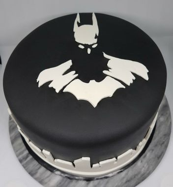Black White Batman Cake - Vik BDay (1)